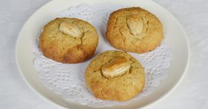 Gluten-free Orange Almond Macaroons (made with honey)