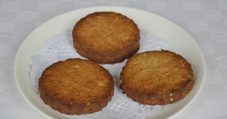 Gluten-free Gingernut Biscuits (made with lard)